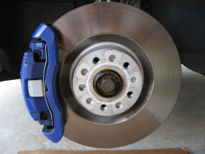 R32 front calipers